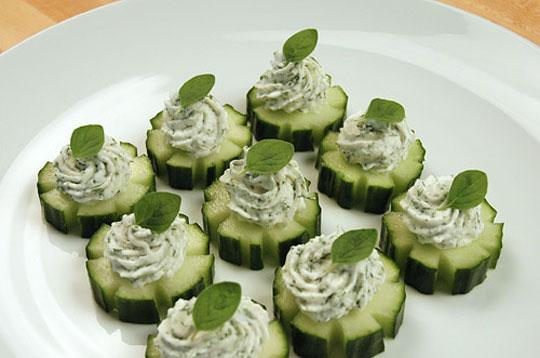 Creamy Dill and Cucumber Canapés