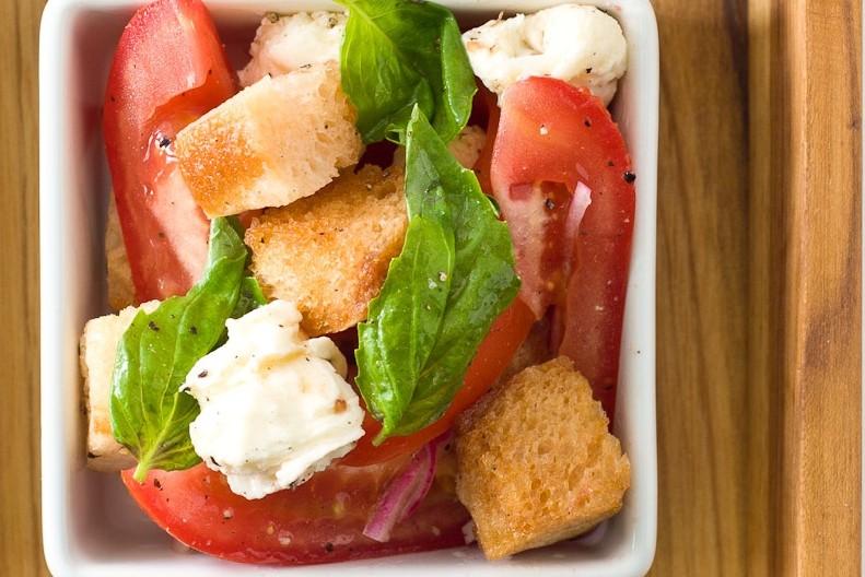 Roma Tomato Panzanella Salad
