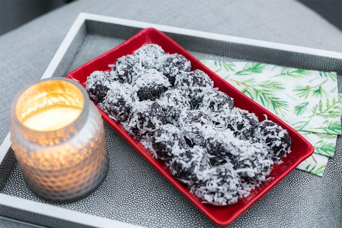 No Bake Blueberry Cocoa Snowballs