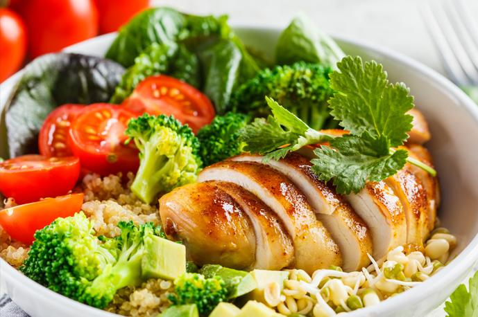 Chicken Quinoa Bowl with Broccoli and Tomato