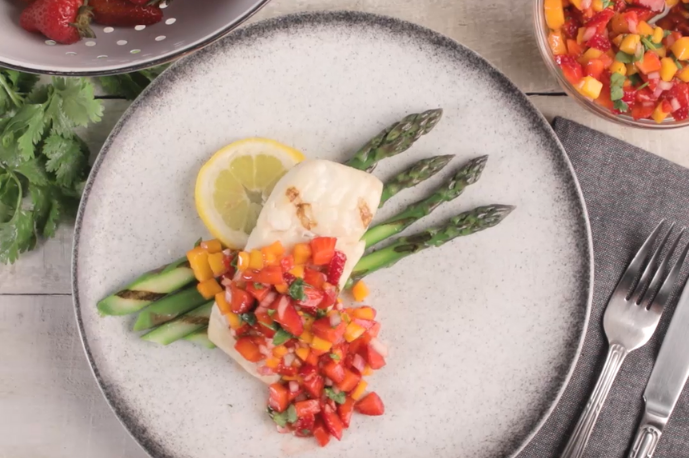 Grilled Halibut with Strawberry Mango Salad